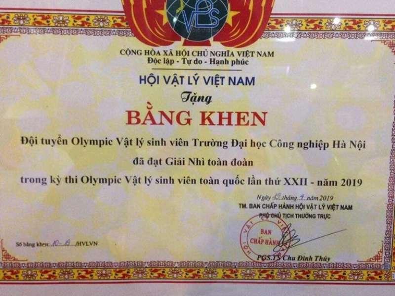 Đội tuyển Olympic Vật lý trường Đại học Công nghiệp Hà Nội giành giải cao tại kỳ thi Olympic Vật lý sinh viên toàn quốc lần thứ XXII.