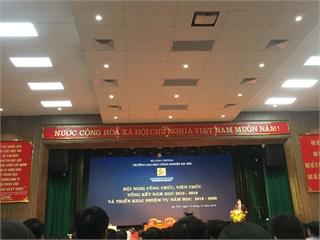 Cán bộ khoa Khoa học cơ bản tham dự Hội nghị Công chức viên chức, tổng kết năm học 2018-2019 và triển khai nhiệm vụ năm học 2019-2020 của trường Đại học Công nghiệp Hà Nội.